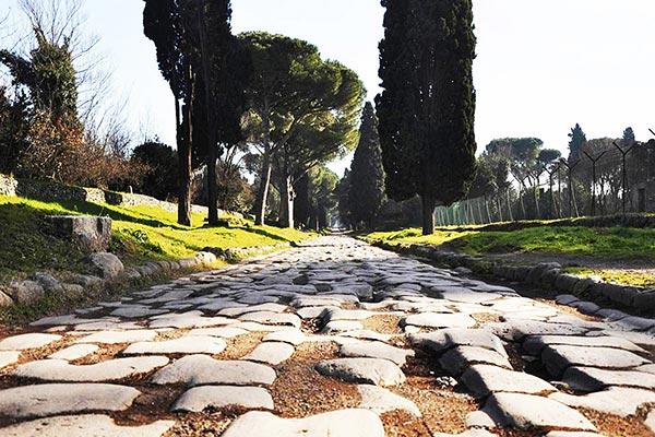 Pedalata-di-Luna-Piena-–--via-Appia-Antica-–-Valle-della-Caffarella