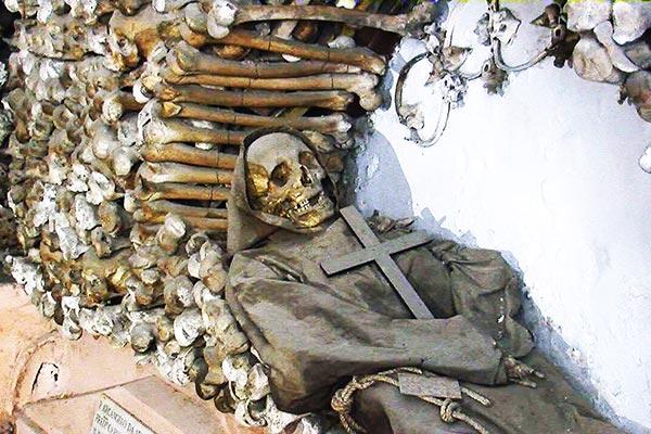 cripta-ossario-museo-frati-cappuccini-roma